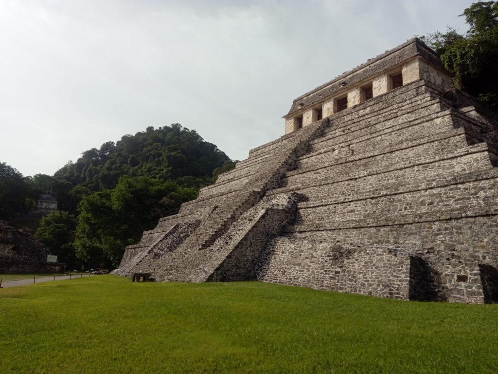 Pyramide-Palenque-Mexique-site-archéologique