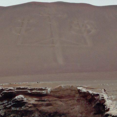 géoglyphe-chandelier-pérou-parracas