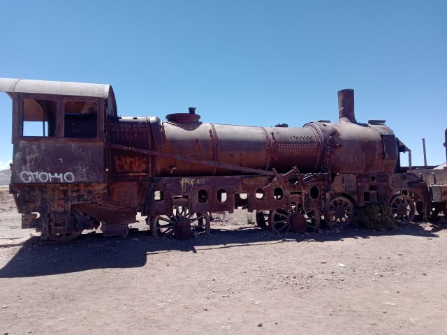 locomotive-salar-uyuni-bolivie